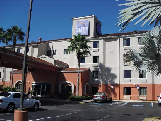 Sleep Inn Near Busch Gardens/usf: Front of Sleep Inn