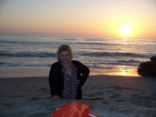 La Jolla Beach Travelodge : Me at sunset  Wind and Sea Beach