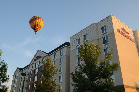 Hilton Garden Inn Auburn Riverwatch: During the LA Balloon Festival
