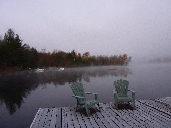 Bonnie View Inn : Lake at dawn