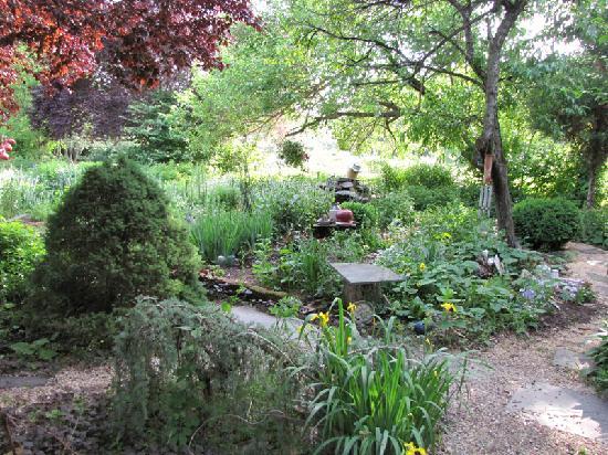 Sinking Springs Herb Farm & Retreat: A smal sample of the herb farm.