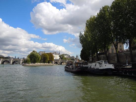 Paris, Frankrike: The Seine river