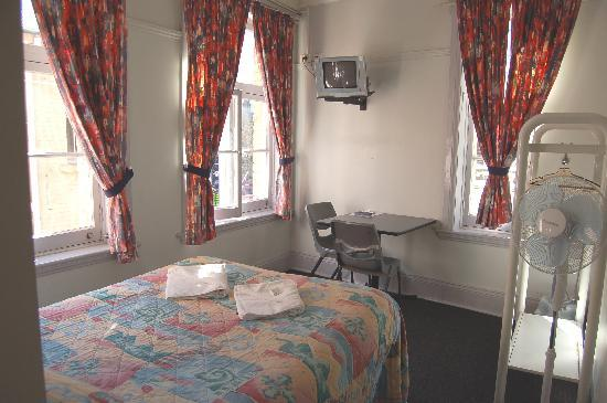 George Street Private Hotel: Ensuite Double Room