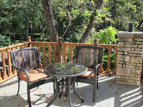 Creekhaven Inn: Our relaxation station!