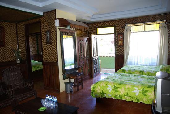 Lava View Lodge : une chambre famille