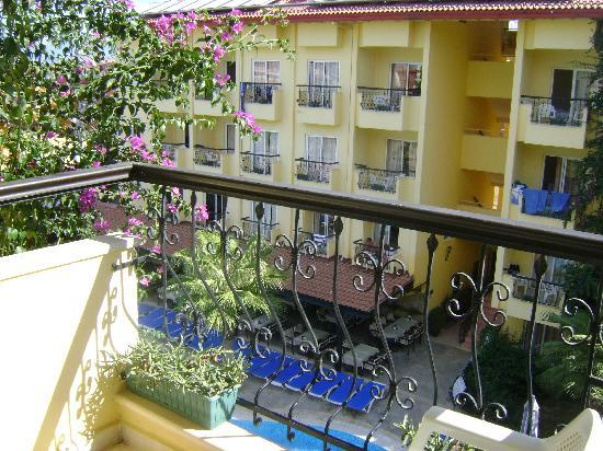 Sun City Apartments & Hotel: view from kids balcony
