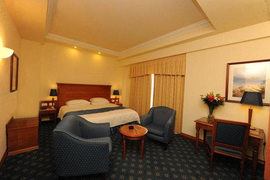 Fortina Spa Resort: Tower Room