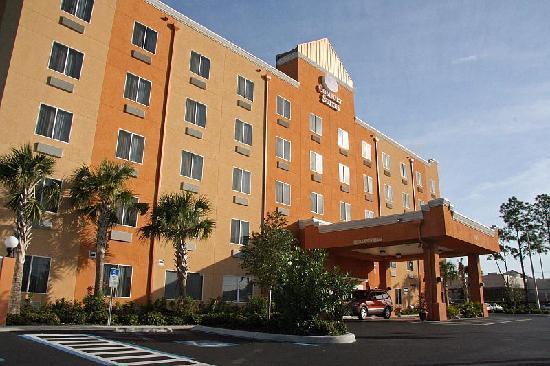 Comfort Suites Tampa Airport North : Haupteingang Motel