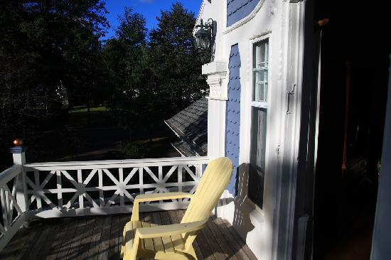 The Dawson House : balcony from captain's room