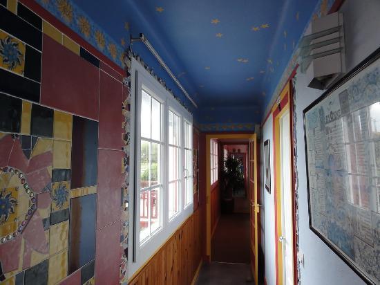 Hotel La Milady : Hallway leading to my room