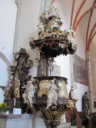 Mary Magdalena church: pulpit