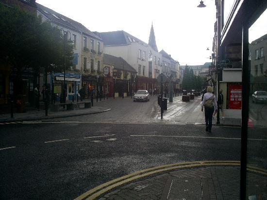Murphy's Guesthouse: Main street, Killarney