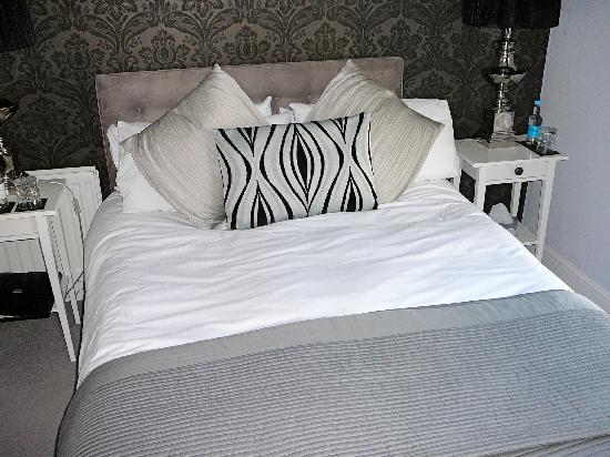 Chichester Apartments: Our Room