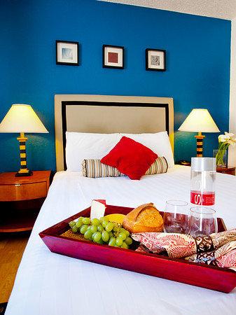 Photo of Alpine Inn & Suites Daly City