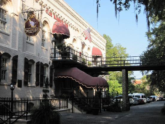 """Olde Harbour Inn - River Street Suites: """"The Olde Habour Inn"""""""