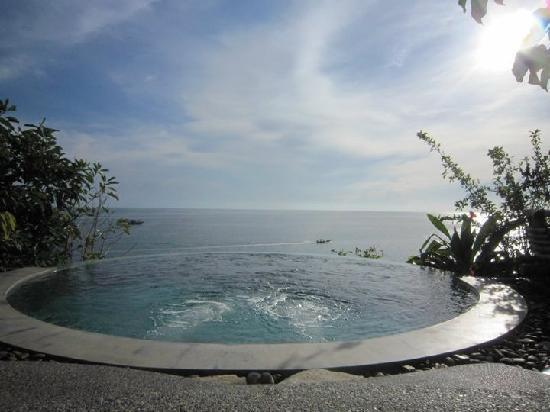 View Point Resort: infinity pool