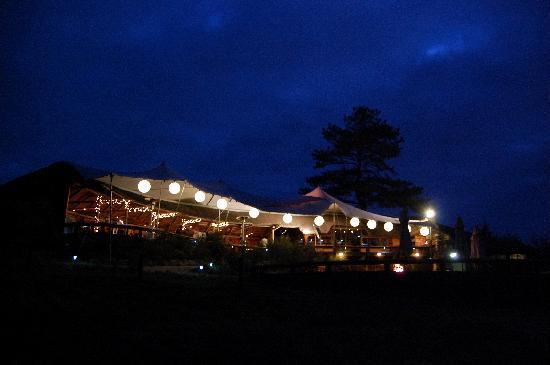 Knysna Elephant Park Lodge: at night