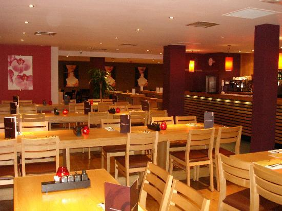 Chelmsford, UK: Middle dining area