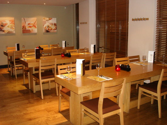 Chelmsford, UK: Front dining area