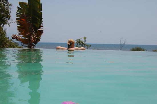 Ngala Beach Lodge : glorious pool