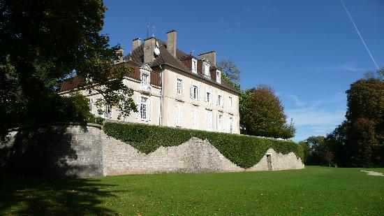 Gray, Frankrike: Das Schloss in der Abend Sonne