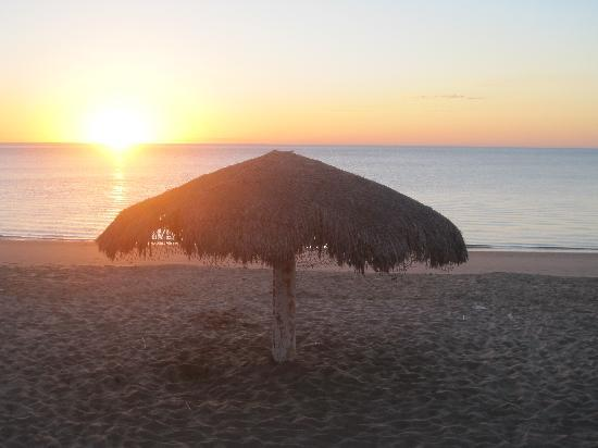 Playa Bonita Condo Suites: Beautiful Sun Rise