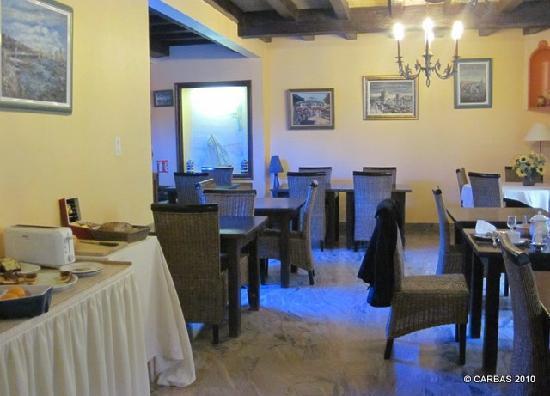 Hotel de la Corniche : Breakfast room.