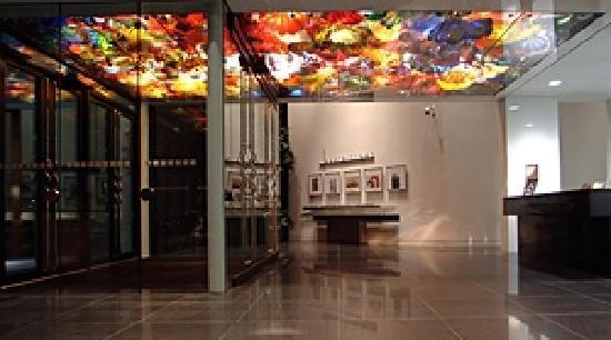 Wichita Art Museum: Lobby of Museum