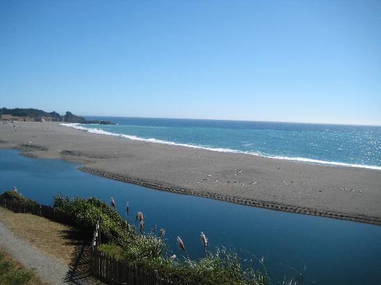 Seacliff Motel on the Bluff: view of gualala river and pacific from balcony