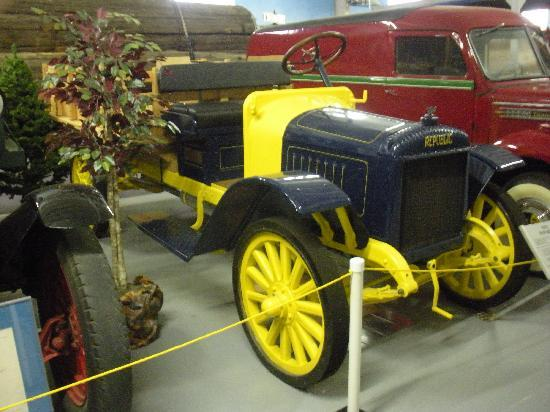 Brooks, OR: truck