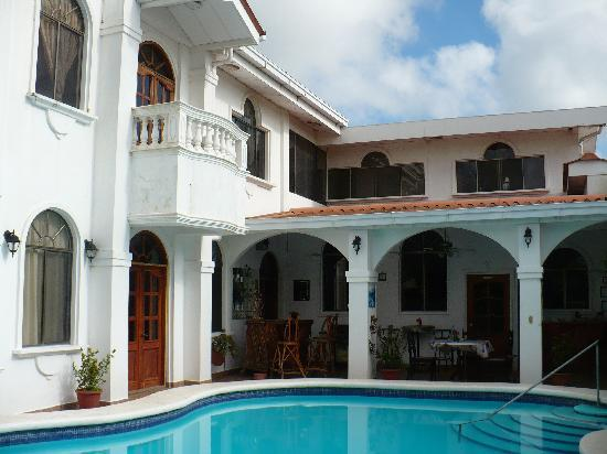 Dolphin Guest House: Pool and Guest House