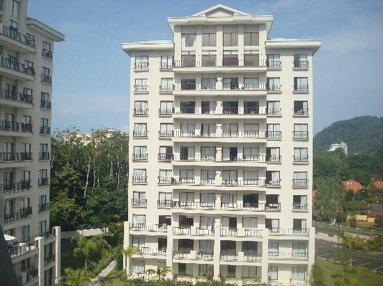 Jaco Bay Resort Condominium: One of the six towers