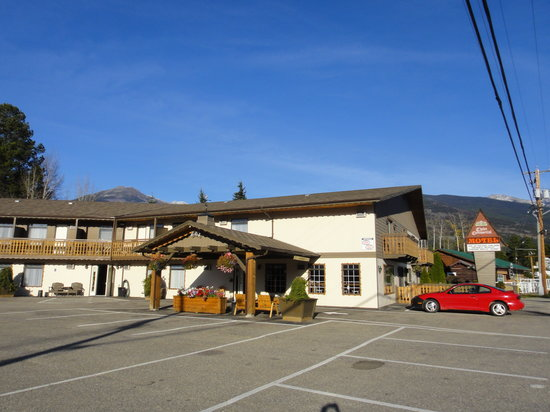 Photo of Chalet Continental Motel Valemount