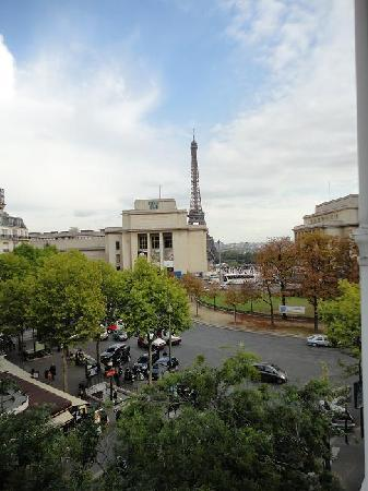 BEST WESTERN Au Trocadero : View from room 42