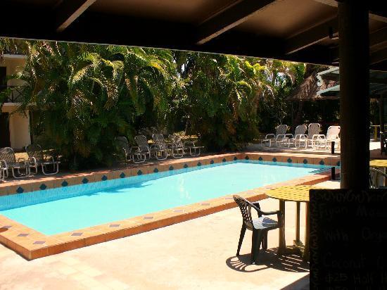 Beachside Resort: looking across the pool