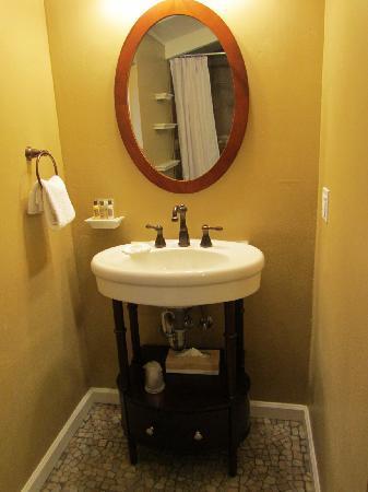 Sunset Inn: Love this sink area