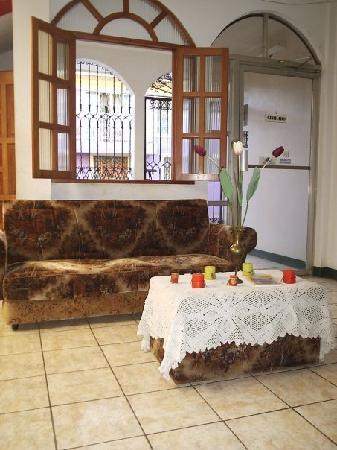 Masaya, Nikaragua: Entrada Hotel El Costeño