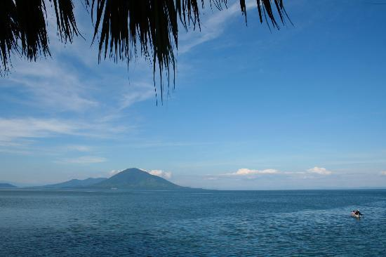 Meanguera del Golfo, El Salvador: View from porch of Hotel