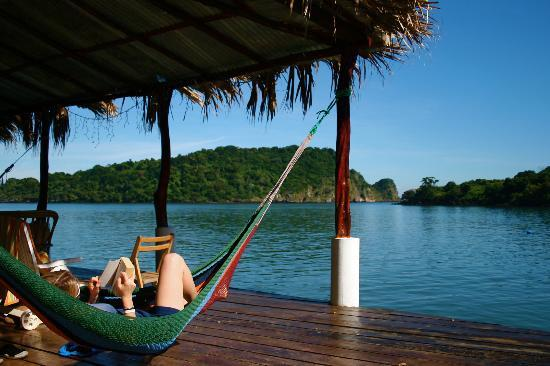 Meanguera del Golfo, El Salvador: Relaxing in the sun