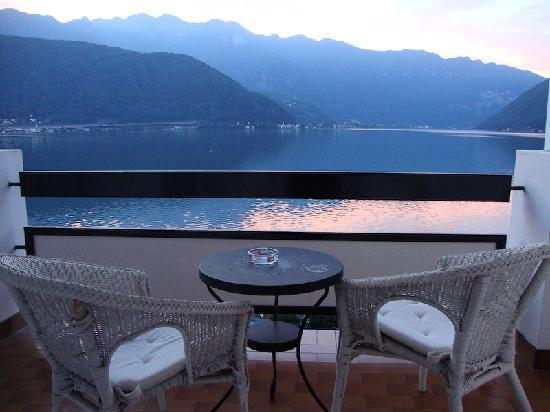 Hotel Garni Battello : the balcony view