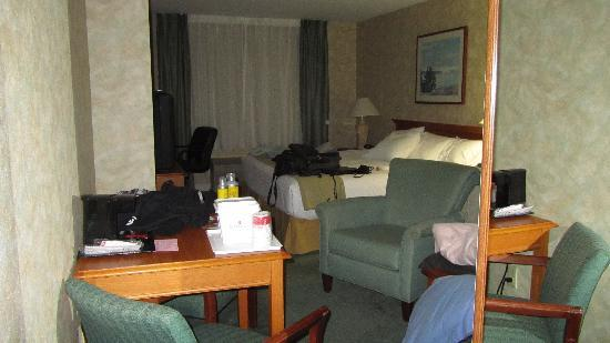 Ramada Saco/Old Orchard Beach Area: The room after I cluttered it with my things