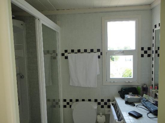 Mikasa & Spa : Baño habitación Cadaqués
