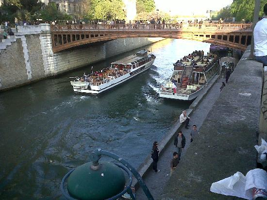 Cruise in River Siene in Paris