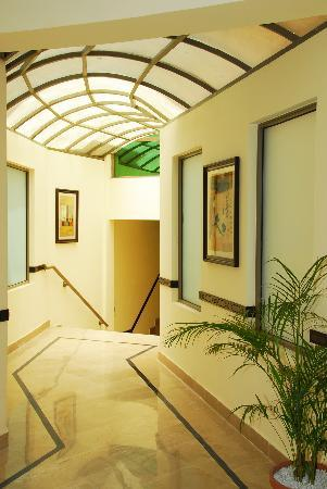 Avari Xpress Islamabad: Corridor