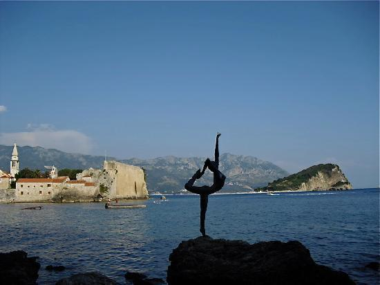 Budva, Czarnogóra: statue