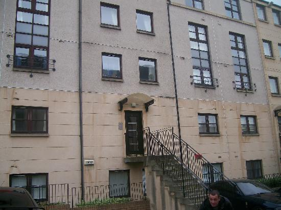 Rodney Street Apartments by Destination Edinburgh: from outside!