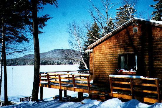 Cozy Moose Lakeside Cabin Rentals: Winter Cabin Rentals Lakefront Access