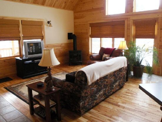 Cozy Moose Lakeside Cabin Rentals: Log Cabin Vacation Rental Living
