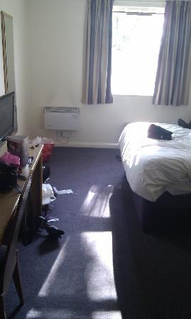 Premier Inn Liverpool (Tarbock) Hotel: The Bed!