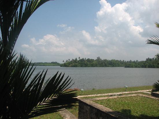 Kalla Bongo Lake Resort: Lagune